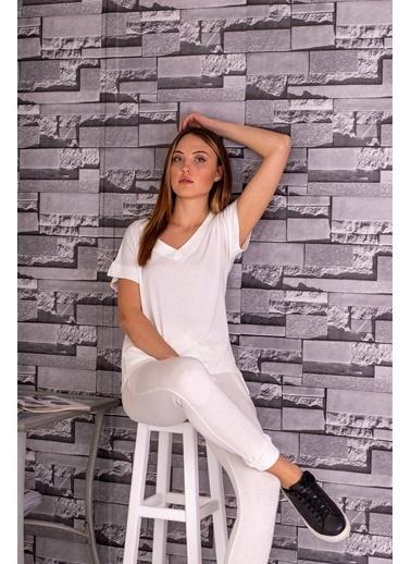 Stamina  Bayan V Yaka Kısa Kol Bluz-5VS12 Beyaz